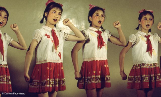 China, 1976. Girls during a theatrical performance in honor of Italian guests