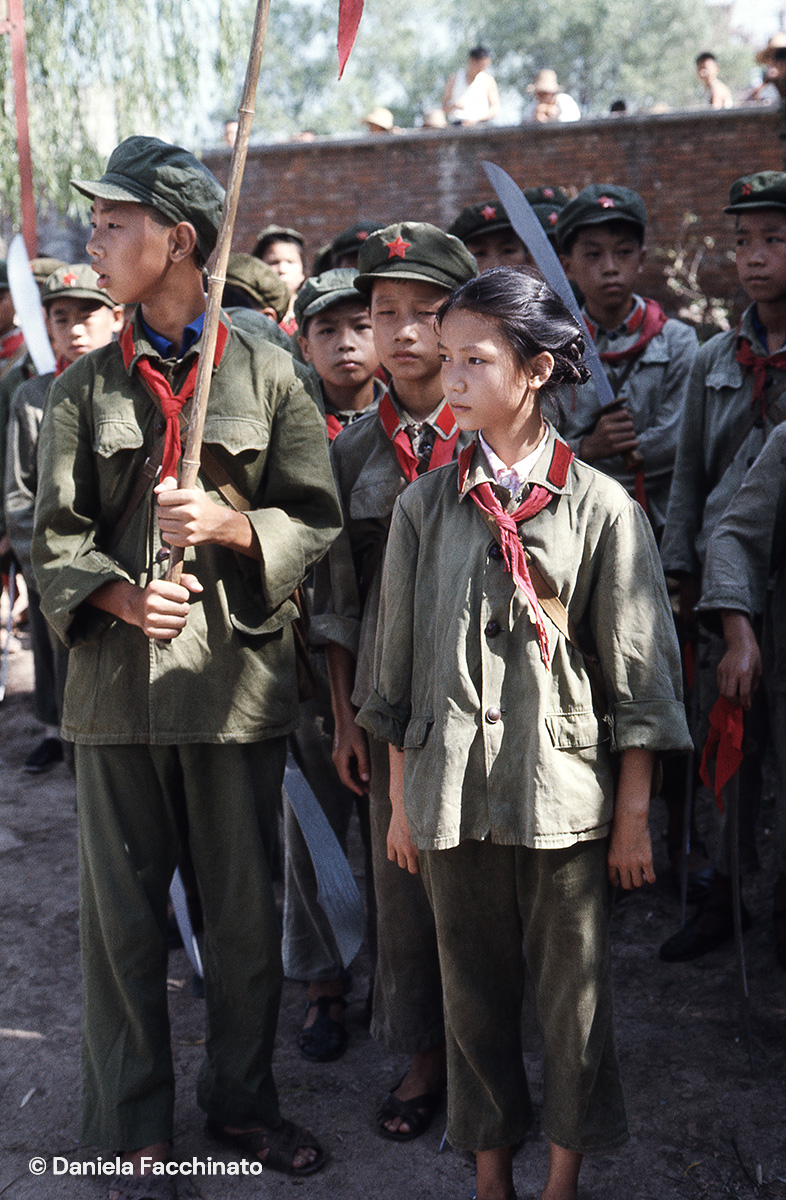 Whuan, 1976. Young Red Guards during a military exercise
