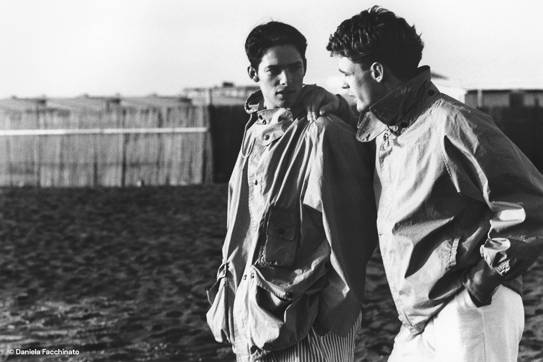 Rome 1989. Walking along Ostia beach. Adv. campaign for Massimo Osti